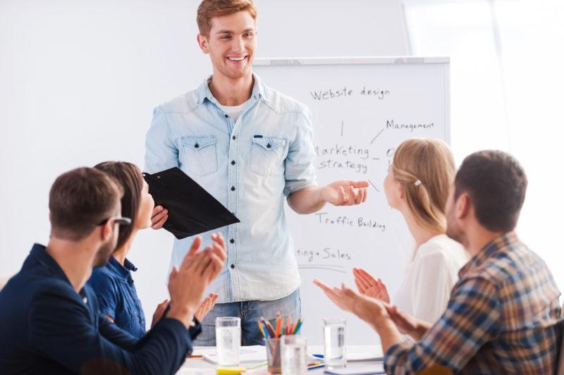 Skräddarsydda föreläsningar och utbildningar inom retorik och presentationsteknik med konkreta råd och tips. Kontakta oss på Skillspartner.